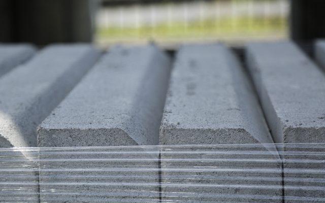 Blocchi di cordoli di cemento